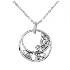 Circular Pendant with Trinity Knotwork